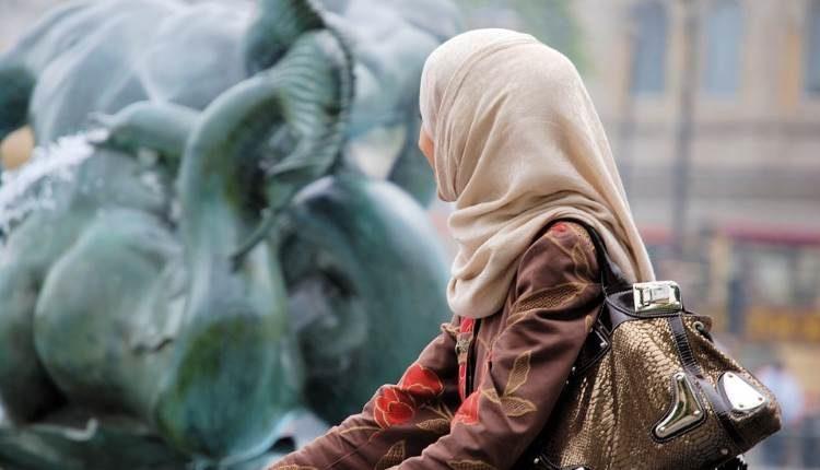 scarf hijab dr shehzad saleem